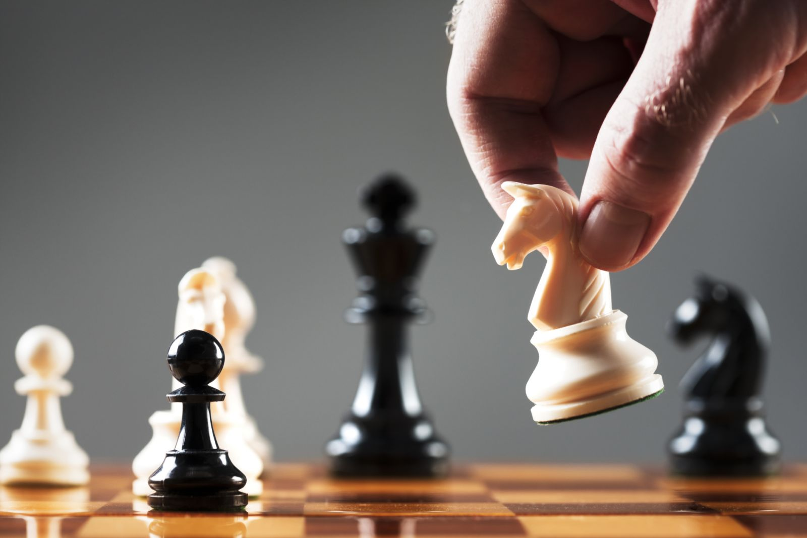 Photo of كتاب أحجار على رقعة الشطرنج