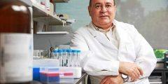 العالم المصري صاحب اكتر من 350 براءه اختراع في صنع الأدوية